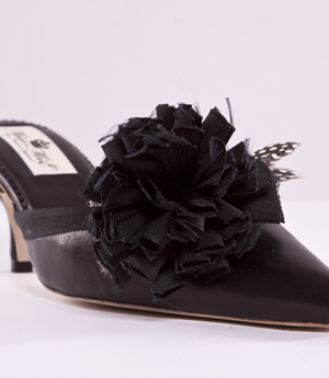 Flower Mule Shoe Image 1